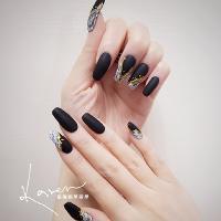 Nails by Rosie🙋♀️   有氣勢又美美的手💅🏾 深色霧面質感真的很好噢!   Nails by Rosie🙋♀️  ➡️ 使用美日韓凝膠 ➡️ 提供刷卡服務  Tel ./ 0960592808 Line. / karenchiu621   I G. 🔻🔻🔻 https://www.instagram.com/karensnailartist/ Line@ 🔻🔻🔻 https://line.me/R/ti/p/%40mjg3925m  粉絲團. /凱倫指甲美學 https://m.facebook.com/karensnailartist  Add./板橋區民生路二段226巷10弄26號1樓  [臨洋港熱炒隔壁] 板橋新埔捷運3號出口步行約5分鐘。🙆🙌  #nailsart #nails #nail #nailist #gel #fashion #板橋美甲 #美甲 #光療 #指甲彩繪 #凝膠彩繪 #捷運新埔站 #美甲教學 #指甲矯正 #崁甲 #凍甲
