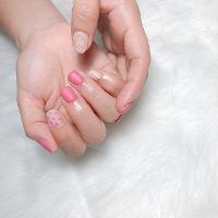 霧面粉配可愛的點點💗 -Nails by yen ————————————————— ▫️完全預約制🎀預約Line:haha8125 使用🇰🇷🇯🇵🇺🇸品牌凝膠  #凝膠指甲#新莊#光療凝膠#暈染#凝膠#手繪#Dollygel#新莊美甲#nails