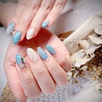 夏天必備藍色❤️  細節要慢慢觀察,品味要慢慢品嚐 只想要做出不一樣有質感的指甲。