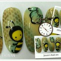 Sweet bee凝膠彩繪  潔晰藝術美指繪館 預約專線:0963053828 新北市汐止區連興街6號 營業時間:11:00~21:00