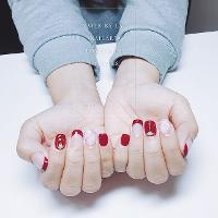 過年來點紅紅紅💅🏻💅🏻💅🏻 ➡️美甲師 LAI 🏠台中市西屯區逢甲 《完全預約制》 🏠🔜預約請+Line  下方連結⬇️我的LINE⬇️ http://line.me/ti/p/P-jqlCGzoi